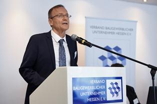 Baugewerbe fordert Taten statt Lippenbekenntnisse: Fachkräfte von Hessen Mobil müssen bei Umstrukturierung zur Infrastrukturgesellschaft gehalten werden